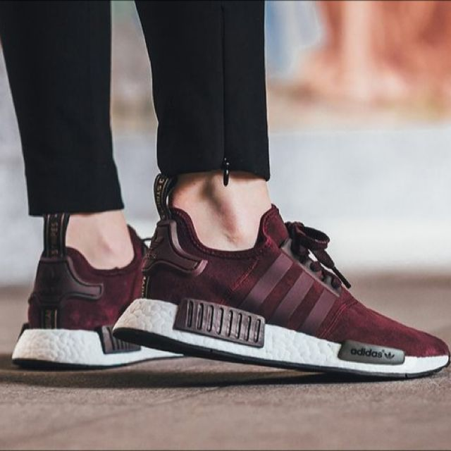 huge selection of 87d18 e54cb Adidas NMD R1 Women's in Burgundy Suede, Women's Fashion on Carousell