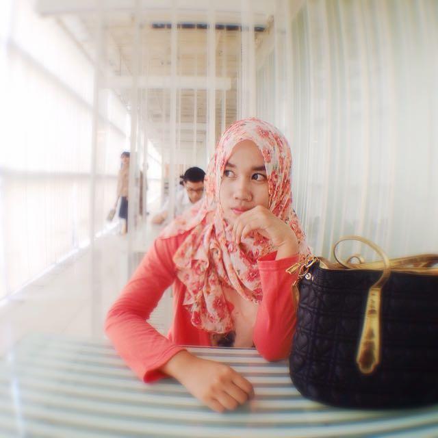 Floral Pink Peach Hijab/scarf