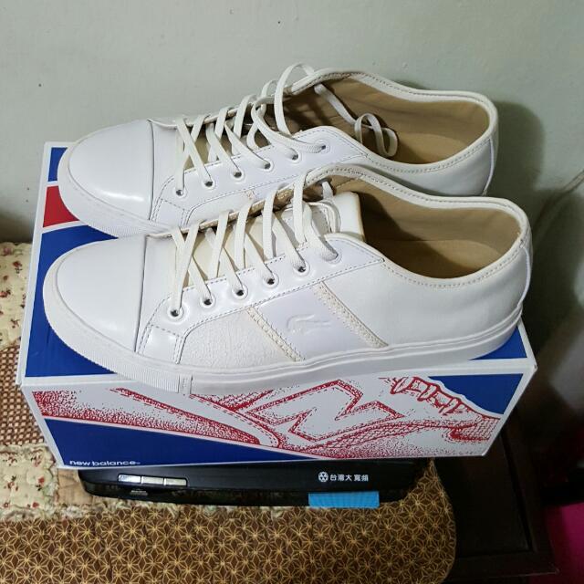 在Y拍售出☞Lacoste ☞男生小白鞋 休閒鞋 (USA10.5)