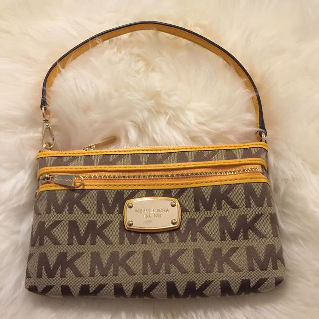 ON HOLD MICHAEL KORS Pochette