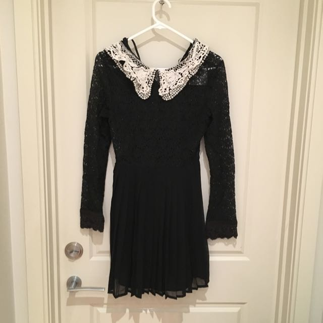 Saboskirt Long-sleeved Black Lace Dress with Lace Collar