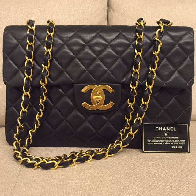 02a8b6f3f444 Vintage Chanel Maxi Jumbo XL Classic Flap Bag, Luxury on Carousell