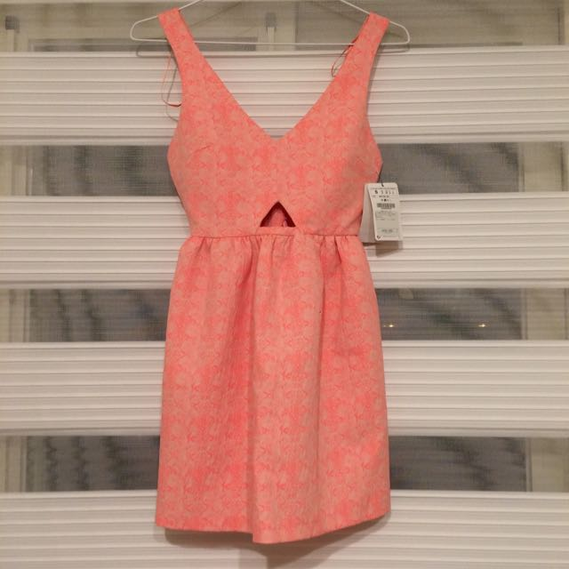 降價!Zara 洋裝 螢光粉 #summer #beach #chic #夏天 #小禮服