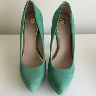 ZU Size 8 Shoes
