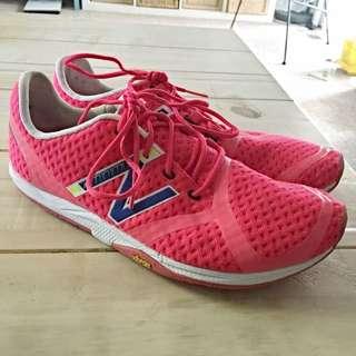 NEW BALANCE Minimus Barefoot Running shoe Sz8