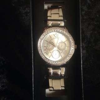 Silver Quartz Wristwatch