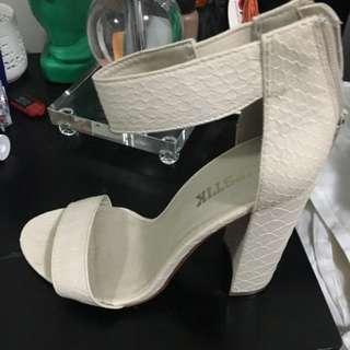 Lipstick Thick Heels Size 8