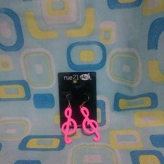 粉色音符耳環