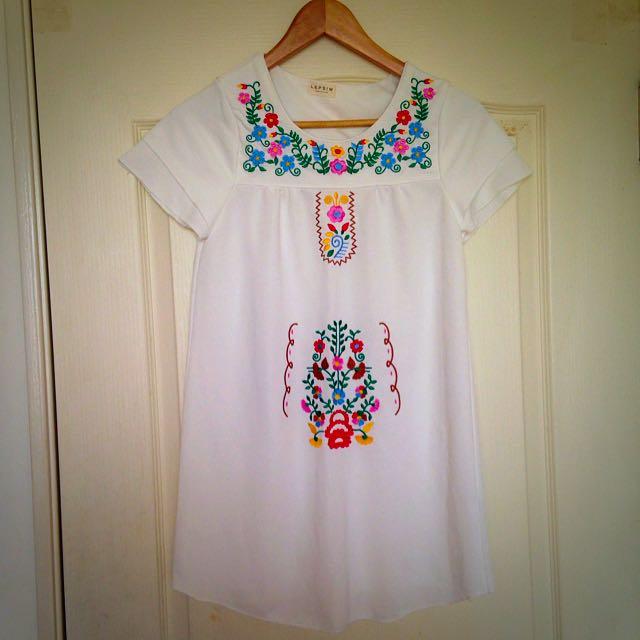 墨西哥刺繡蝴蝶袖短洋