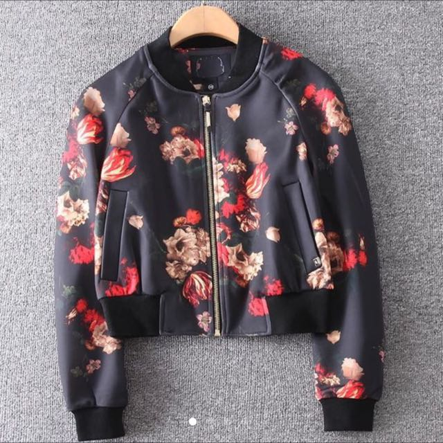 歐洲品牌玫瑰花棒球外套(已剪標)