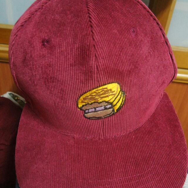 紅色漢堡棒球帽