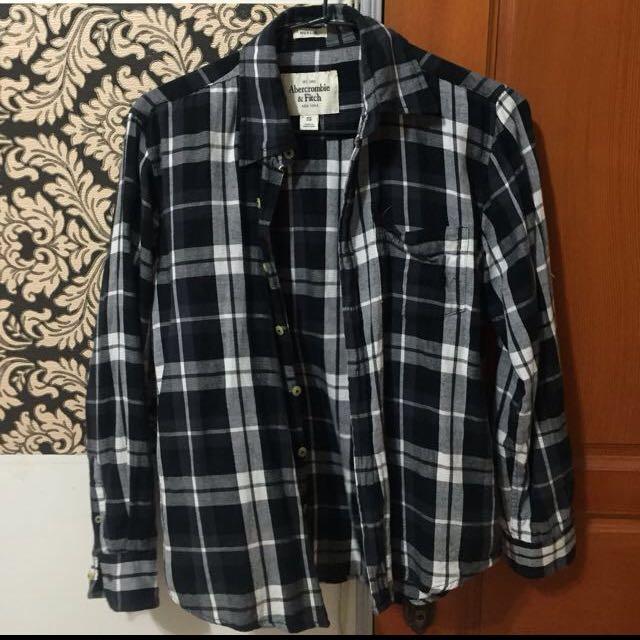A&F黑白薄襯衫