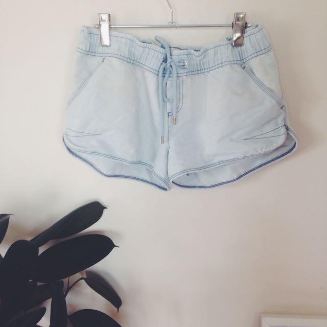 Lorna Jane Shorts Size L