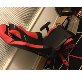 DXRacer Iron Series gaming chair