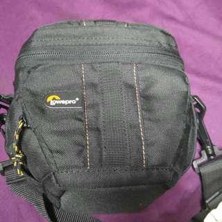 lowepro 相機包包 單眼包 一機一鏡 微單包 三角包 保護包
