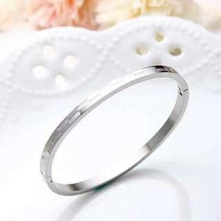 🎀交錯格紋鈦鋼手環