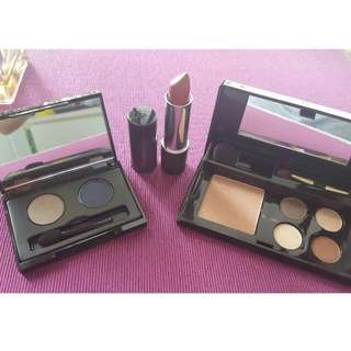 Bundle Elizabeth Arden Eye Pallettes And Lipstick