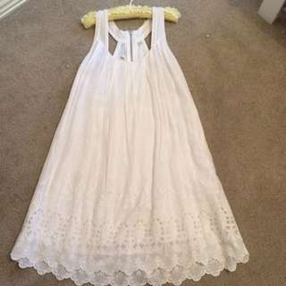 White Forever New Dress With A Laced Bottom
