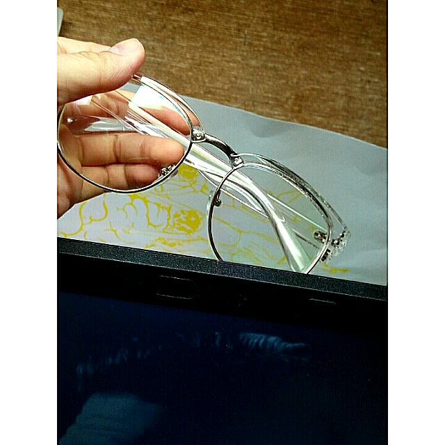 透明的復古半框眼鏡