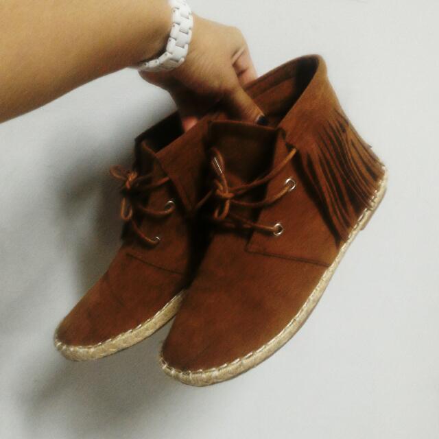 流蘇高筒鞋