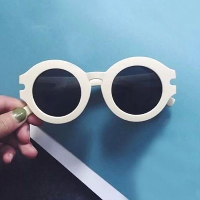 白框圓形墨鏡🕶️