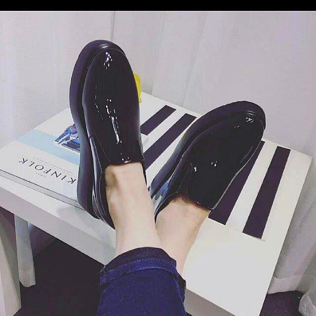 [九成新] 黑色帥氣超顯瘦❤  亮面尖頭厚底鞋 39號