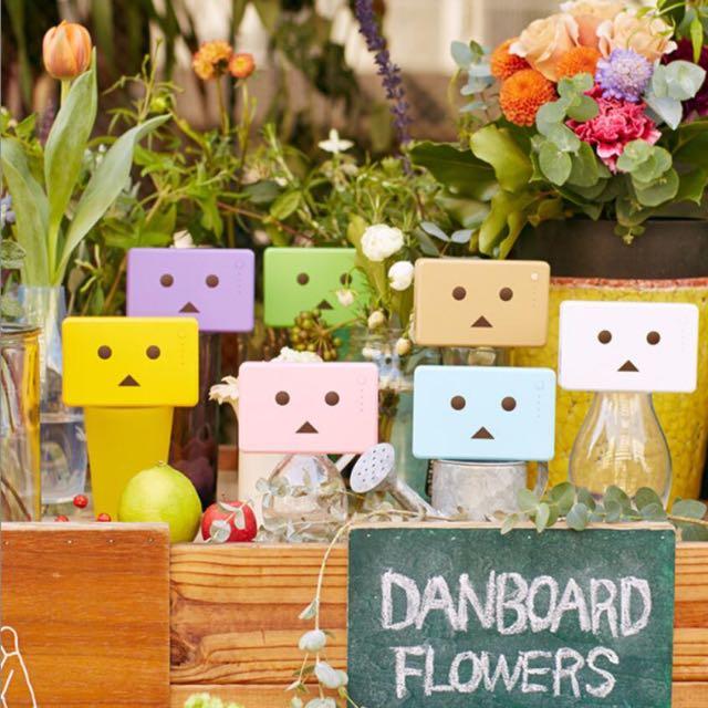 ✨日本代購✨✨保証正品~日本cheero新款正品可愛卡通紙箱人楞移動電源通用充電器