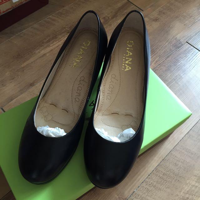 Diana黑色高跟鞋