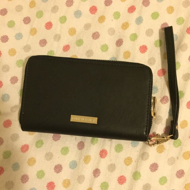 Forever New – Tech Purse