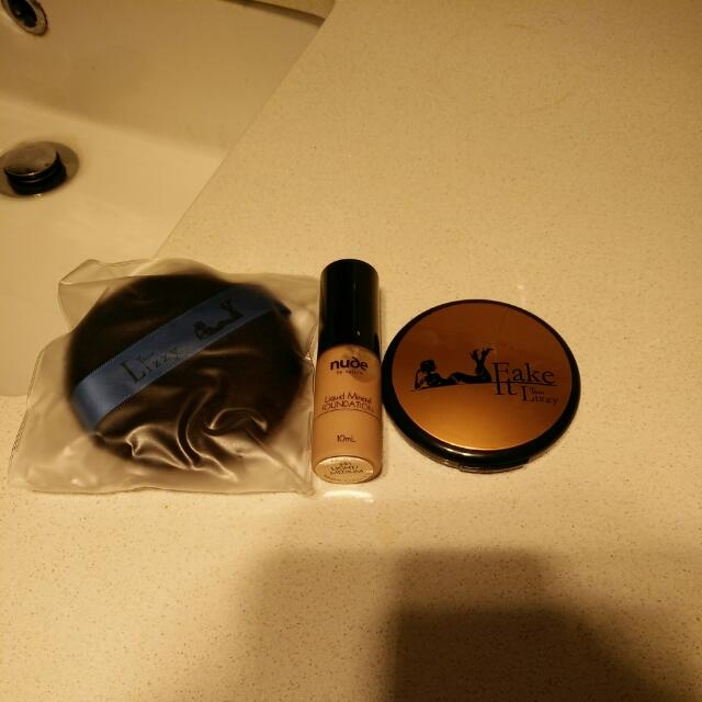 THINLIZZY BRONZER + Free Sponge + Free Nude By Nature Foundation