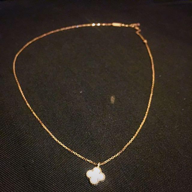 Vca Van Cleef & Arpels Alhambra White Necklace