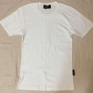 男生 白色ㄒ恤 二手