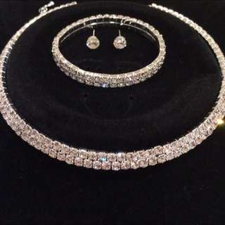 Diamanté Set