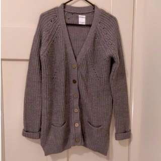 Thick knit grey cardigan