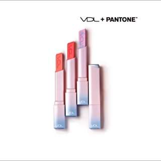 VDL + PANTONE唇膏03