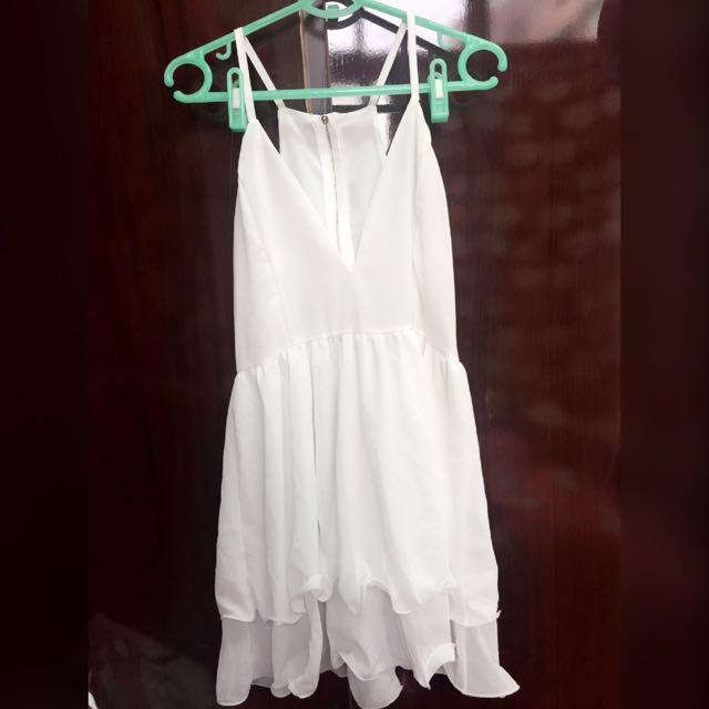 白色低胸傘狀洋裝