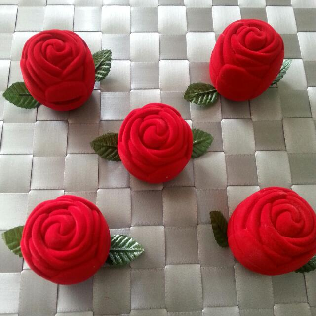 Beautiful Velvet Rose Ring Boxes
