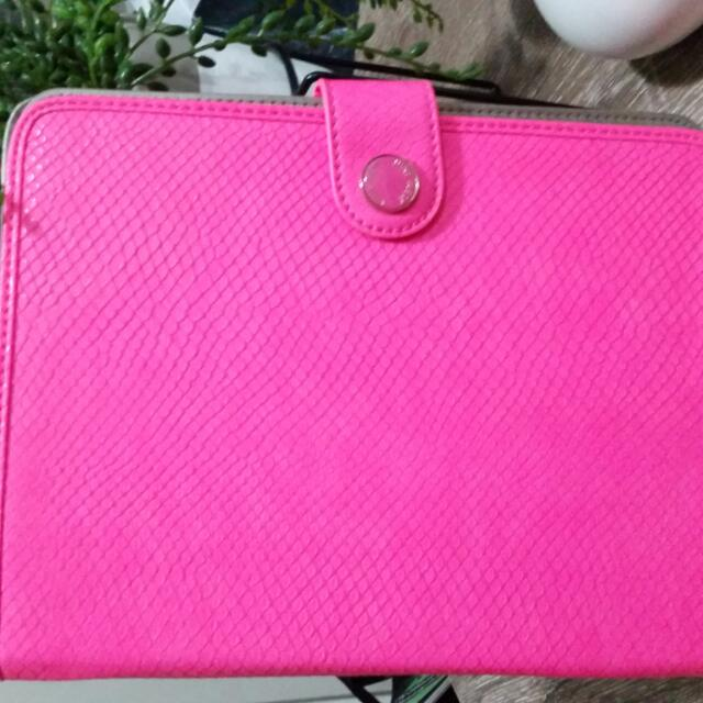 Nine West HOT PINK Ipad 4 Cover