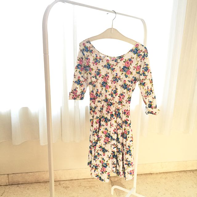 Preloved White Floral Dress