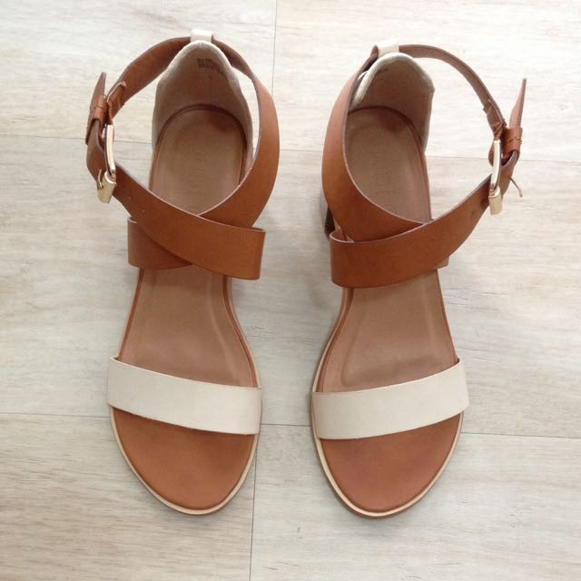 SALE !! Rubi Wedges By Cotton On