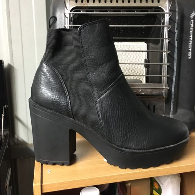 Size 9 Boots!!!