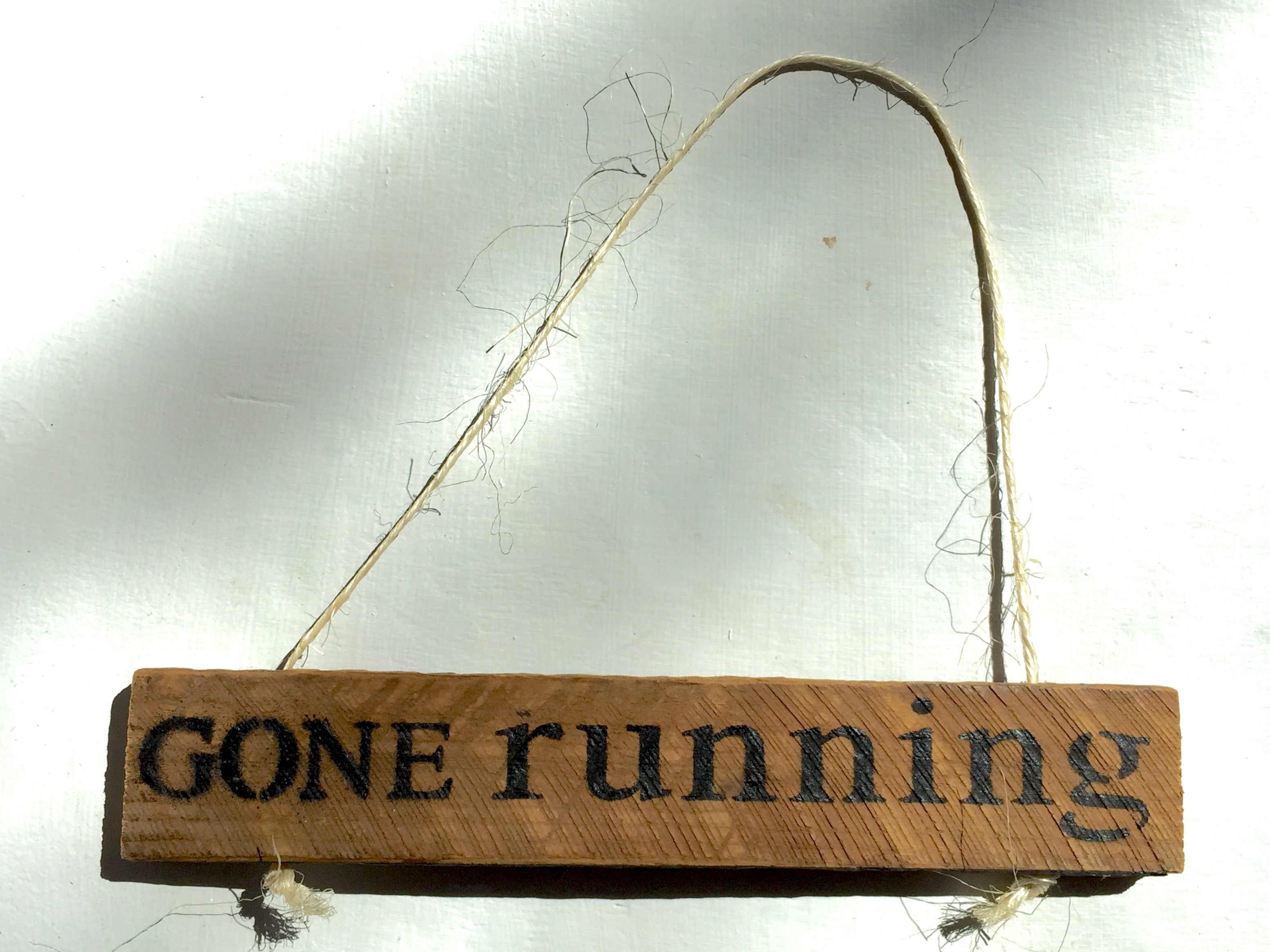 SWEET, RUSTIC SIGN FOR RUNNING ADDICTS!