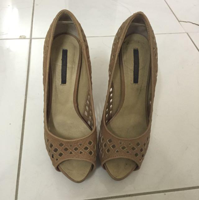 Tony Bianco Tan Heels Size 6
