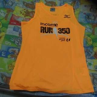 Run 350 Race Singlet 2016 Version Wear only once during race day Women size M