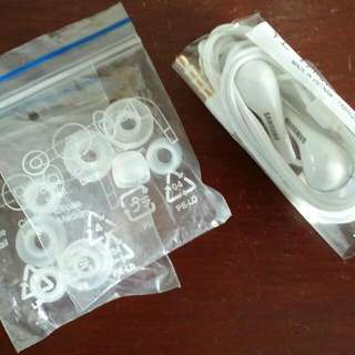 Original Samsung Earphones