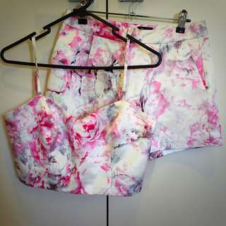 BARDOT FLORAL MATCHING SET - Cropped Top And Shorts