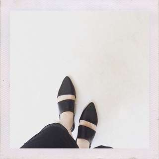 "MGS SHOES ID ""Black Perry Flatshoes"""