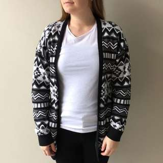 H&M Patterned Knitted Cardigan Size Small