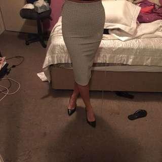 Size 8 Sports girls Mid Skirt