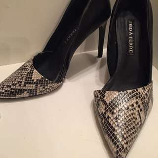 Pointed Toe Heels Size 7